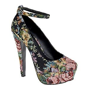 "Aldo ""Spaziano"" Floral Tapestry Pumps"